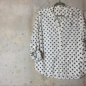 4/$25 US polo white black polka dot Henley blouse